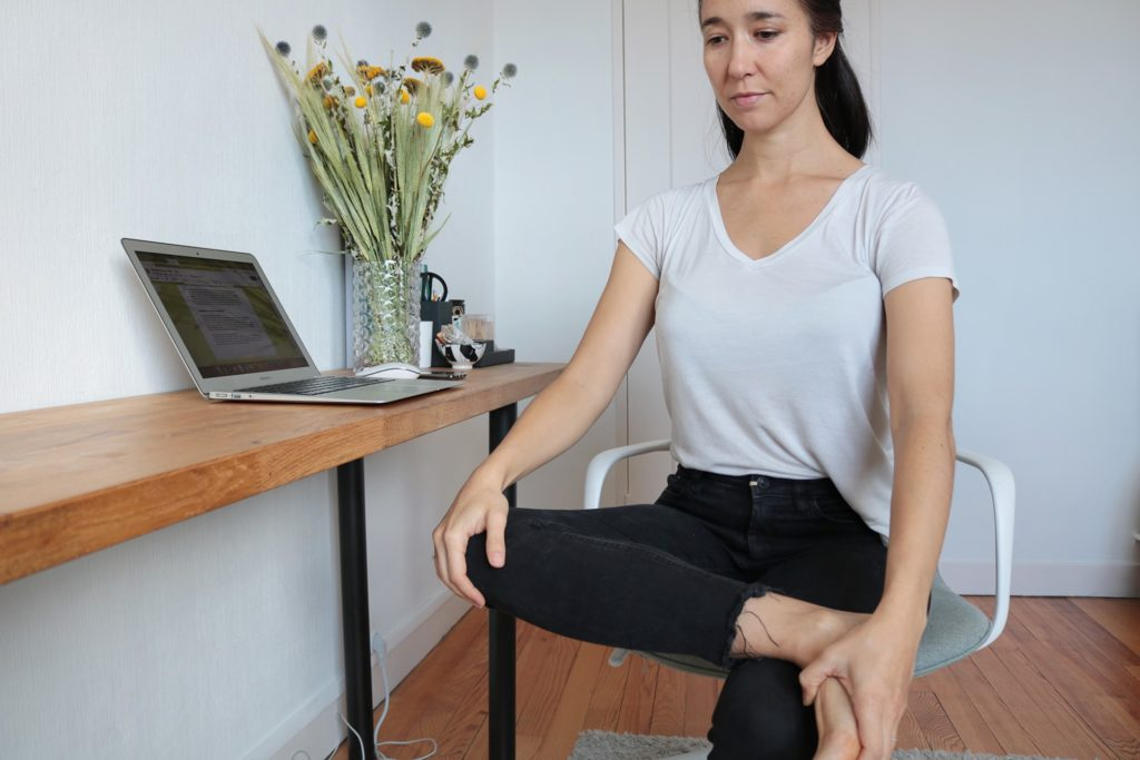 etirement-hanche-fessier-yoga-travail